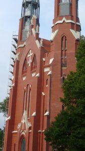 Sosnowiec Kościół św. Tomasza Apostoła elewacje z kamienia