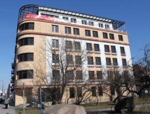 Warszawa ul.Puławska 99 budynek biurowy elewacja z piaskowca