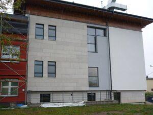 Bielsko-Biała Centrum Kardiochirurgii elewacja z kamienia