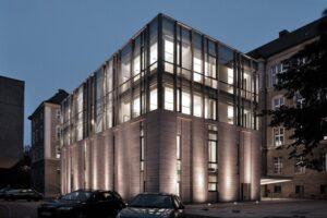 Poznań Biblioteka UAM bryła budynku elewacja z piaskowca