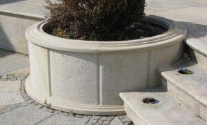 Wyposażenie ogrodu z piaskowca