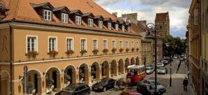 Hotel Le Regina prace konserwatorskie w kamieniu