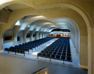 Sala zgromadzeń posadzki kamienne wykończenie wnętrz w kamieniu