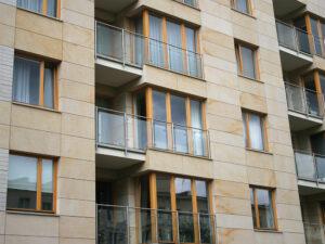 Warszawa ul.Wielicka budynek mieszkalny elewacje z piaskowca